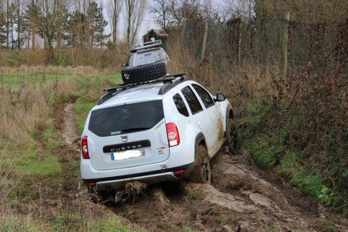 Dusterteam forum dacia duster 4x4 suv crossover for 4x4 dans la boue