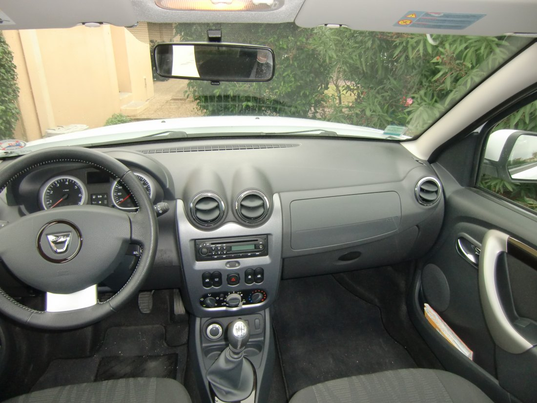 Duster restyl 2014 autos post for Interieur 306